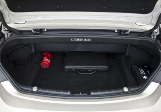 BMW Seria 6 Cabriolet F12 I kabriolet przestrzeń załadunkowa