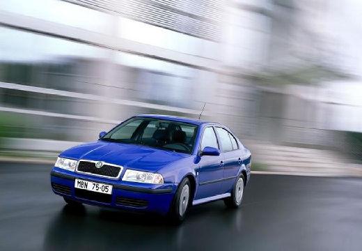 SKODA Octavia II hatchback niebieski jasny przedni lewy