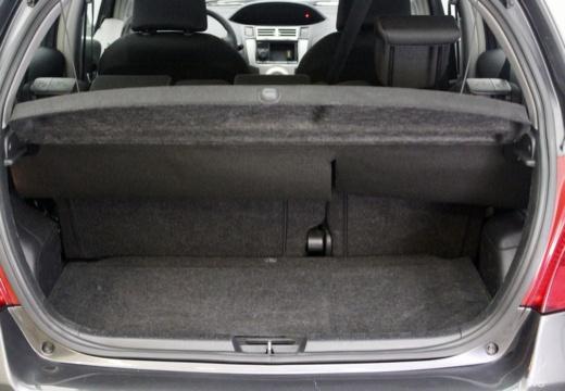 Toyota Yaris III hatchback przestrzeń załadunkowa