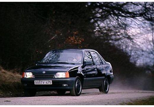 OPEL Kadett E sedan czarny przedni lewy