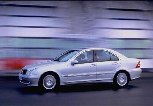 MERCEDES-BENZ Klasa C W 203 I sedan silver grey przedni lewy