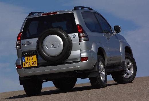 Toyota Land Cruiser 120 kombi silver grey tylny prawy