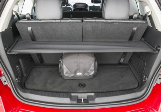 FIAT Freemont I van czerwony jasny przestrzeń załadunkowa