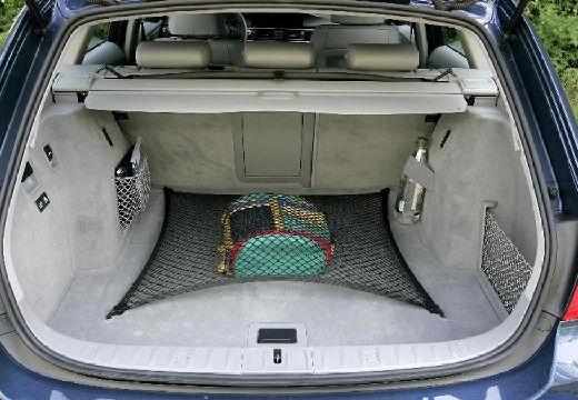 BMW Seria 3 Touring E91 I kombi niebieski jasny przestrzeń załadunkowa