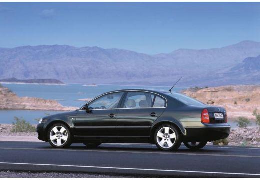 SKODA Superb II sedan czarny tylny lewy