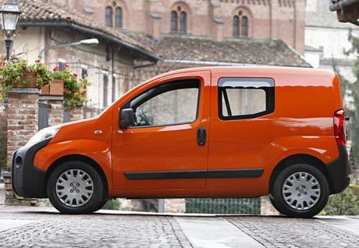 FIAT Fiorino kombi pomarańczowy boczny lewy