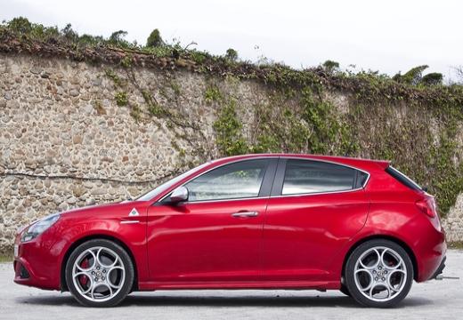 ALFA ROMEO Giulietta II hatchback boczny lewy