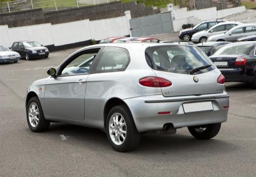 ALFA ROMEO 147 I hatchback tylny lewy