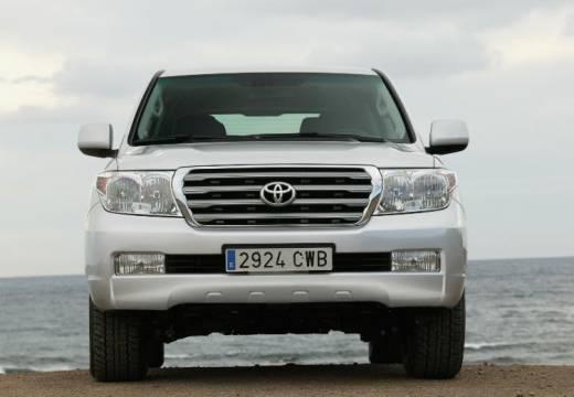 Toyota LC 4.5 V8 D-4D X Kombi I 282KM (diesel)