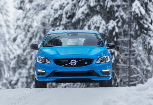 VOLVO S60 V sedan niebieski jasny przedni