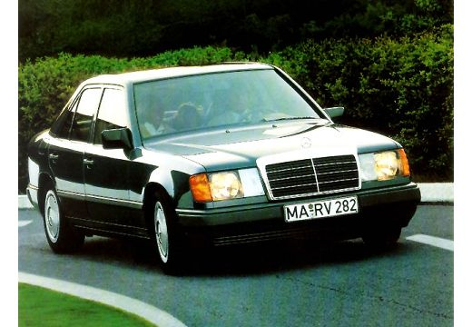 MERCEDES-BENZ 260 E 4-Matic Sedan 200-500E W 2.6 166KM (benzyna)