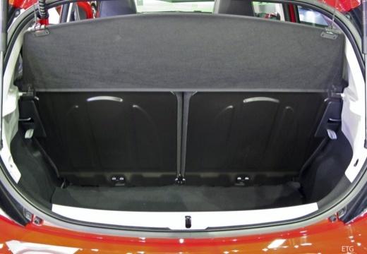 Toyota Aygo IV hatchback przestrzeń załadunkowa