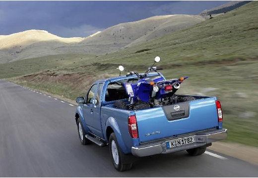 NISSAN Navara II pickup niebieski jasny tylny lewy