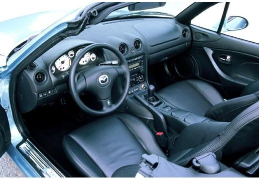 MAZDA MX-5 III roadster wnętrze