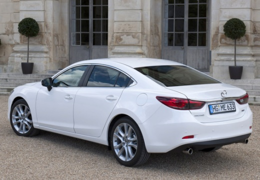 MAZDA 6 VI sedan biały tylny lewy