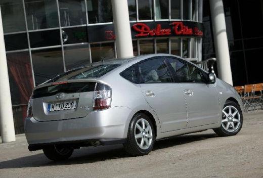 Toyota Prius hatchback silver grey tylny prawy