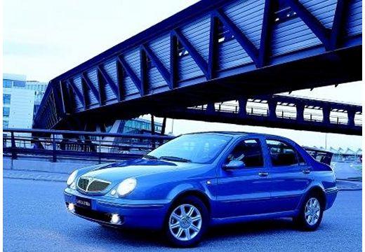 LANCIA Lybra sedan niebieski jasny przedni lewy