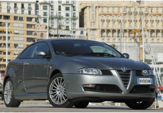 ALFA ROMEO GT 1.9JTD 16V Black Line Coupe 2.0 150KM (diesel)