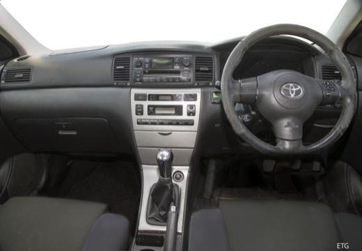 Toyota Corolla VII sedan czerwony jasny tablica rozdzielcza