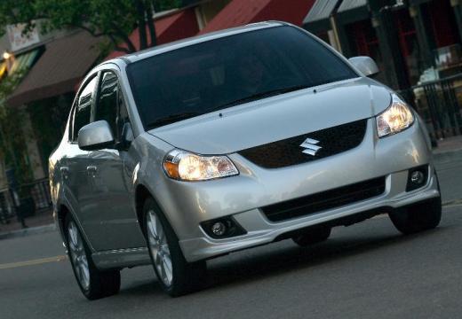 SUZUKI SX4 sedan silver grey przedni prawy