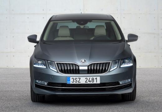 SKODA Octavia III II hatchback silver grey przedni