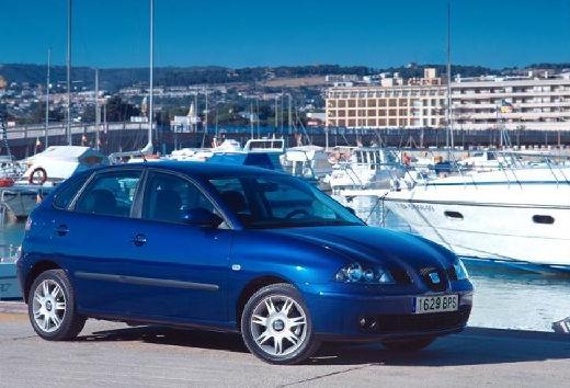 SEAT Ibiza IV hatchback niebieski jasny przedni prawy