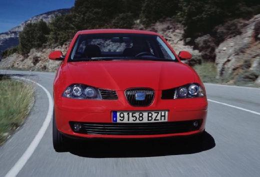 SEAT Cordoba III sedan czerwony jasny przedni