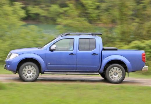 NISSAN Navara III pickup niebieski jasny boczny lewy