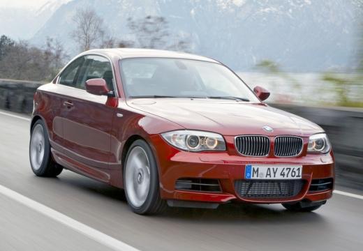 BMW Seria 1 coupe czerwony jasny przedni prawy