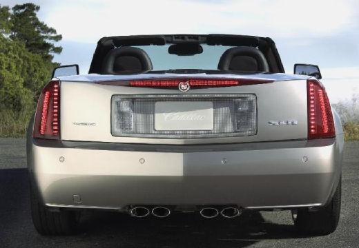 CADILLAC XLR roadster silver grey tylny