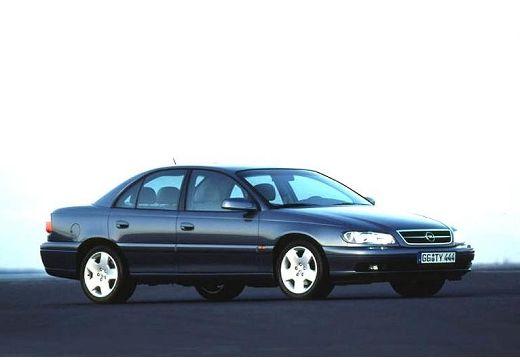 OPEL Omega B II sedan czarny przedni prawy