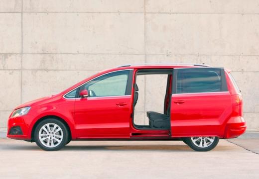 SEAT Alhambra III van czerwony jasny boczny lewy