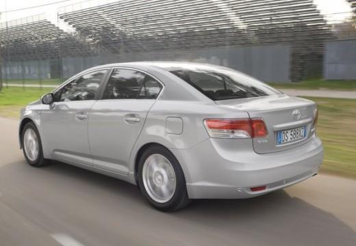 Toyota Avensis V sedan silver grey tylny lewy