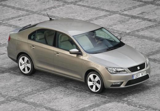 SEAT Toledo IV hatchback silver grey przedni prawy
