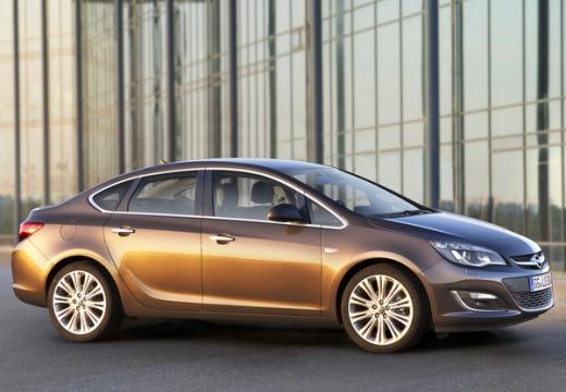 OPEL Astra IV sedan silver grey przedni prawy