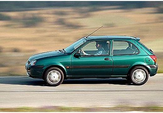 FORD Fiesta hatchback zielony boczny lewy