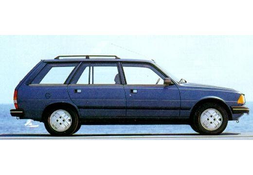 PEUGEOT 305 kombi niebieski jasny boczny prawy
