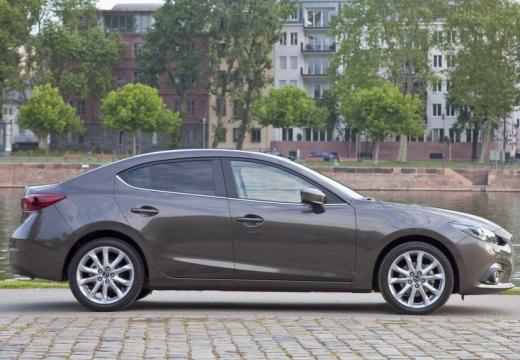 MAZDA 3 V sedan silver grey boczny prawy