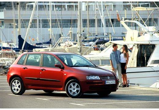 FIAT Stilo I hatchback czerwony jasny przedni prawy