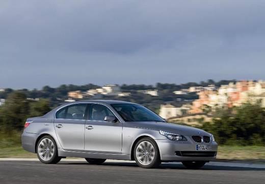 BMW Seria 5 E60 II sedan silver grey przedni prawy