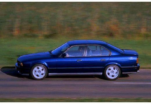 BMW Seria 5 E34 sedan czarny boczny lewy