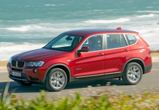 BMW X3 kombi czerwony jasny przedni lewy
