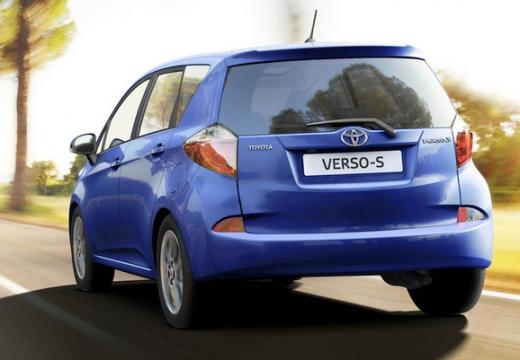 Toyota Verso-S hatchback niebieski jasny tylny lewy
