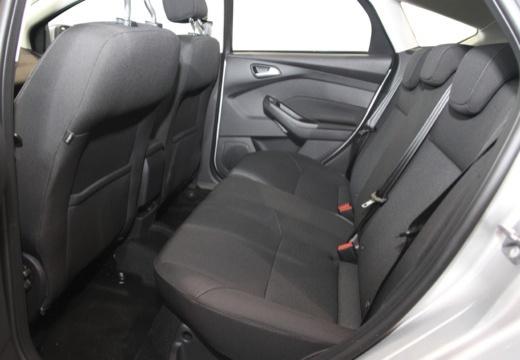 FORD Focus VI hatchback wnętrze