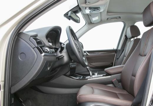 BMW X3 X 3 F25 II kombi silver grey wnętrze
