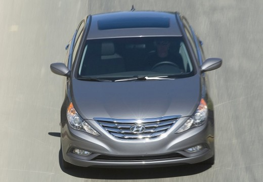 HYUNDAI Sonata VIII sedan silver grey przedni