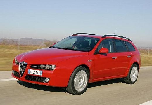 ALFA ROMEO 159 Sportwagon kombi czerwony jasny przedni lewy