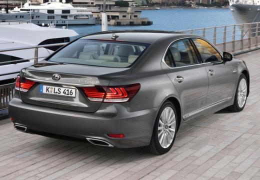 LEXUS LS III sedan silver grey tylny prawy
