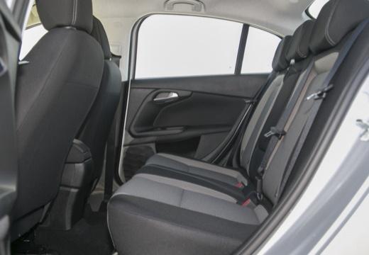 FIAT Tipo sedan wnętrze