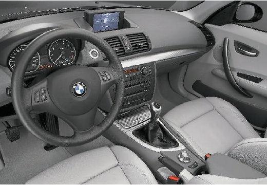 BMW Seria 1 hatchback tablica rozdzielcza